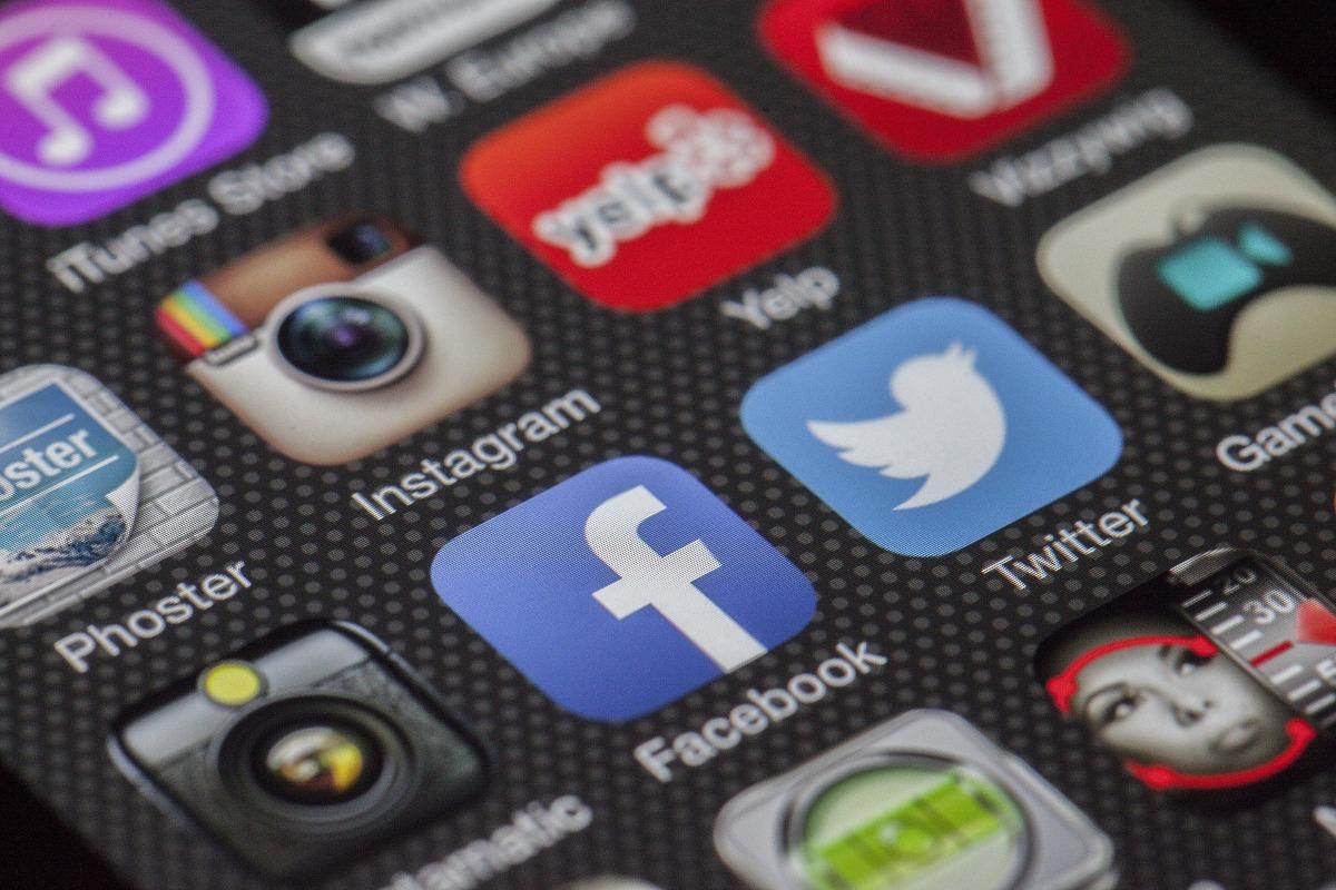 Influencia de las redes sociales en losadolescentes
